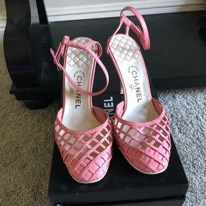 88e61cd9290 Chanel Pink/White Lattice Heels
